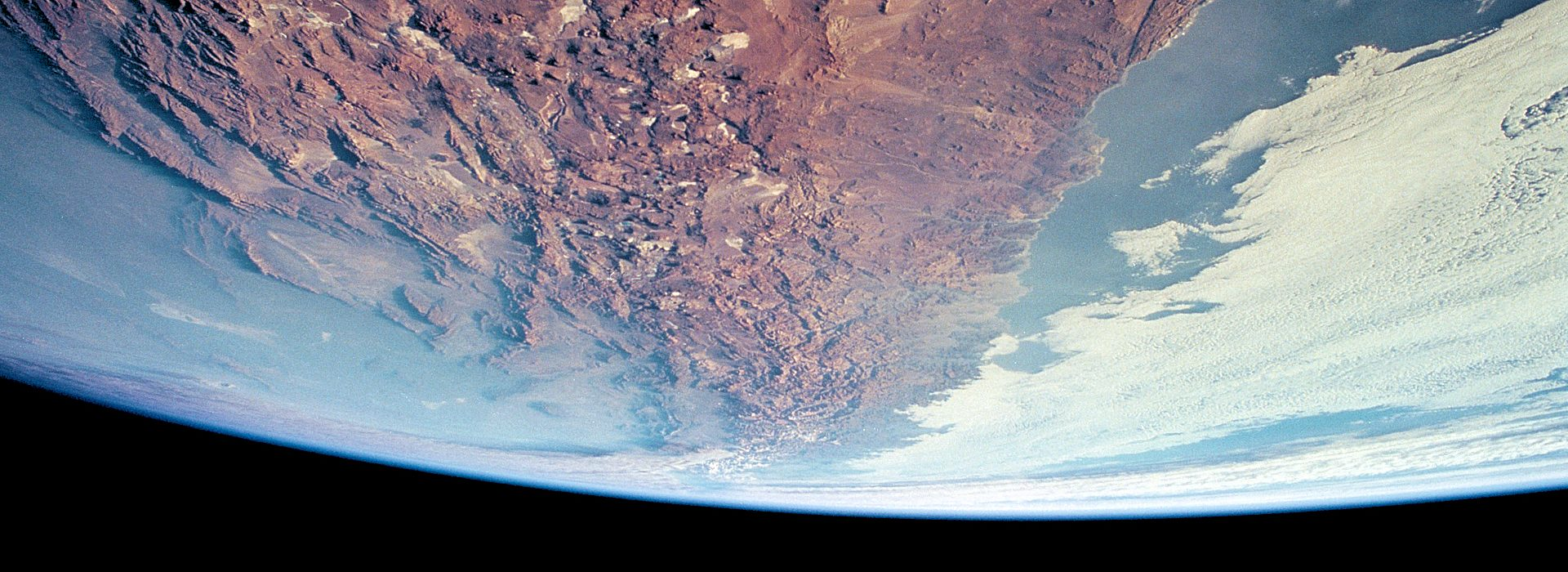 Nunca una especie del planeta había tenido la capacidad de salir de órbita y comprender mejor la dinámica espacial de nuestro planeta